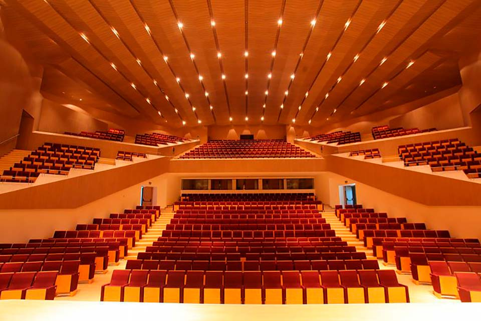 Enjoy the music experience in the auditorium